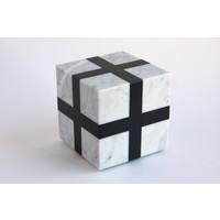 Cube (White / Black)