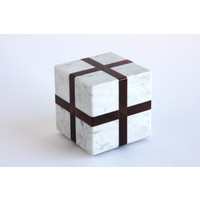 Cube (White / Red)